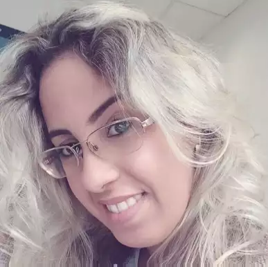 Tássia Cristina Santos Sirino